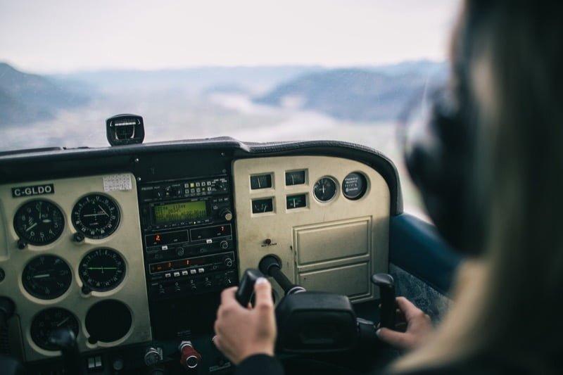 small-airplane-cockpit